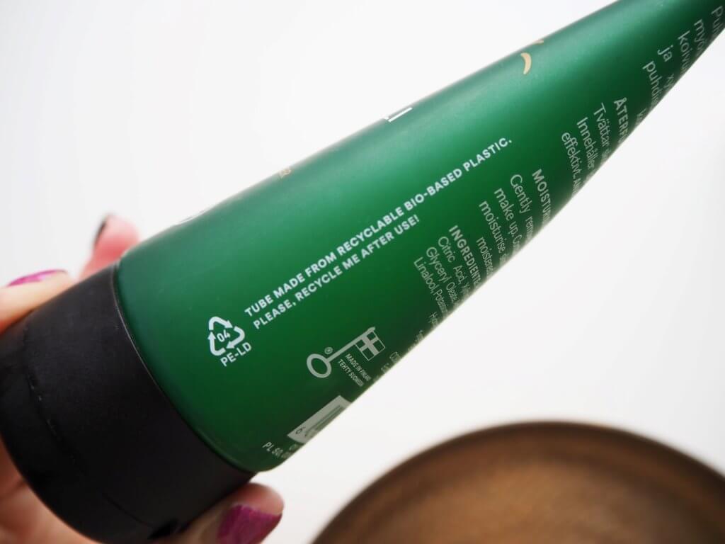 kosmetiikan muovi