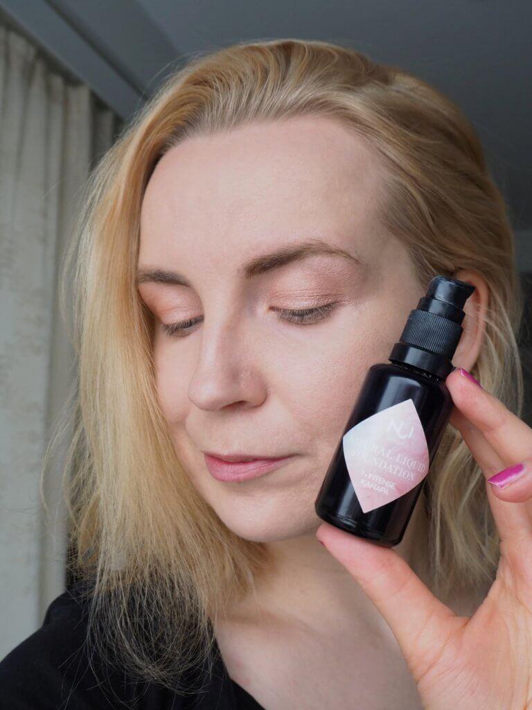 puolipeittävä meikkivoide